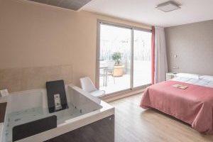 Hotel con jacuzzi en la habitación en alicante