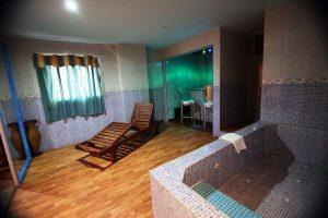 Hotel con jacuzzi en la habitación Valencia