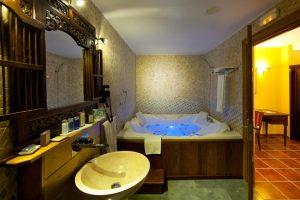 Hotel con jacuzzi en la habitacion en vizcaya