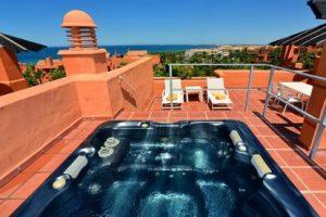 Esplendido hotel con jacuzzi privado en la terraza en Cádiz
