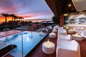 Ostentoso hotel con jacuzzi en la terraza privada en Cádiz
