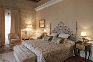 exclusivo hotel con jacuzzi privado en la terraza en Sevilla