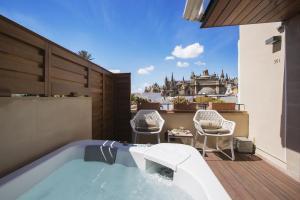 hotel de lujo con jacuzzi privado en Sevilla