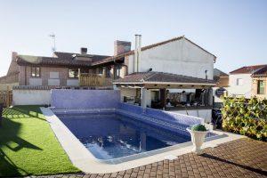 hoteles con piscina en ávila