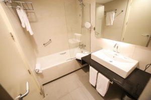 limpio hotel con bañera de hidromasaje privada en Los Alcázares