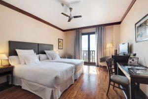 Cómodo hotel con bañera de hidromasaje privada en Huesca