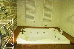 Apartamento con jacuzzi en la habitación en Álava