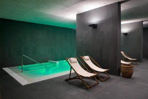 Lujoso hotel con jacuzzi y spa en situado entre viñedo y olivares