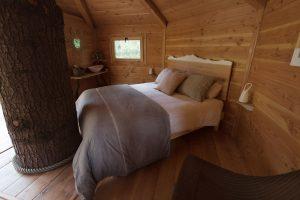dormir en cabañas en los árboles cataluña