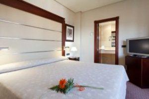 Hotel con jacuzzi en la habitación en el centro de Badajoz