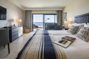 genial hotel con jacuzzi en la habitación