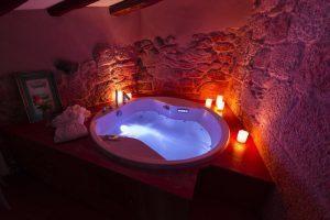 Hotel con Jacuzzi en la Habitacion en Ourense