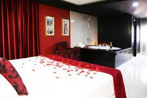 romántico hotel con bañera de hidromasaje privada en Málaga