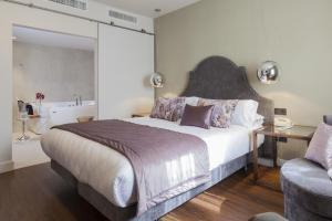 elegante hotel con bañera de hidromasaje privada en Málaga