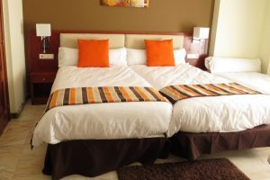 Hotel con Bañera de hidromasaje en la habitacion