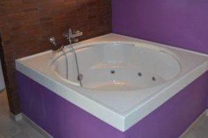 Apartamentos con bañera de hidromasaje en la habitación en Conil de la Frontera