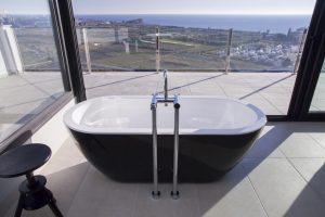 bañera y vistas