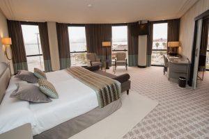 Hotel con jacuzzi en la habitación en cantabria