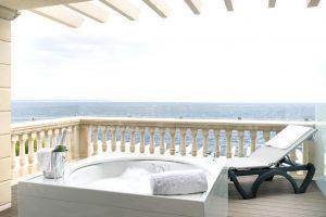excelente hotel playero con bañera de hidromasaje en Illetas