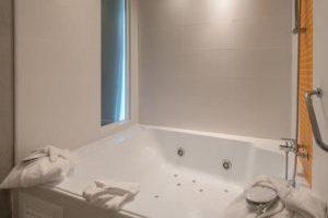 hotel 4 estrellas con jacuzzi en la habitación en la provincia de Alicante