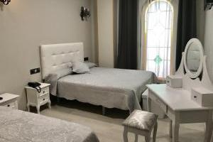Lujoso hotel con bañera de hidromasaje privad en Pedrola