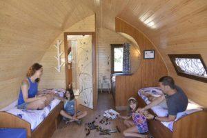 dormir en cabañas en los arboles cerca de madrid