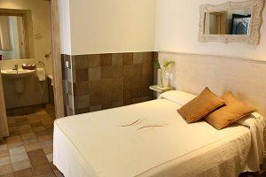 hoteles con jacuzzi en la habitacion en cadiz