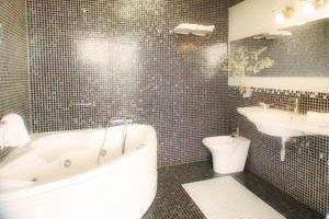 Amigable hotel con bañera de hidromasaje privada en el centro histórico de Granada