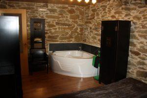 casa rural en Zamora con jacuzzi en la habitación