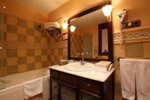 Hotel rural con bañera de hidromasaje en Guadalajara