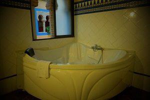 Hotel con jacuzzi en la habitación en Córdoba