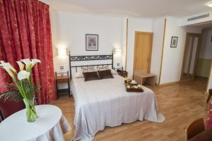 Hotel con jacuzzi privado en Gijón