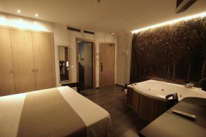 Hotel rural con jacuzzi en Madrid
