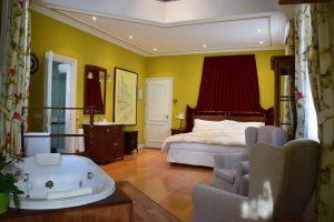 Habitación con jacuzzi en Madrid, Posada Don Jaime