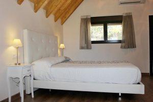 Habitación de un hotel rural en Cáceres