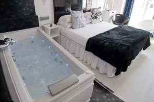Hostal con jacuzzi privado en Madrid