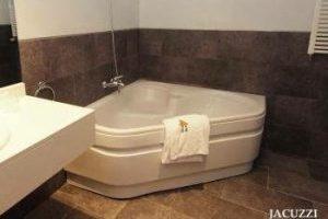 Hotel con bañera de hidromasaje en Haro