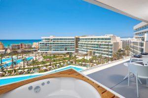 hotel 5 estrellas con bañera de hidromasaje privada en Playa de Palma