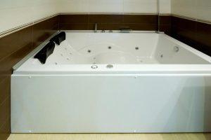 hoteles con bañera de hidromasaje en la habitación en palencia