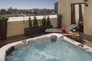 Hotel de lujo con jacuzzi en Madrid