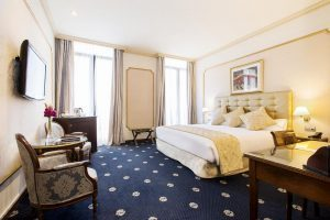 Llamativo hotel con jacuzzi en la habitación en Barcelona