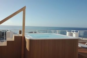 buen hotel con jacuzzi en la terraza privada en Gran Canaria