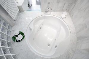 Elegante hotel con bañera de hidromasaje privada en Huesca