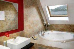 Hotel 5 estrellas con jacuzzi privado en la habitación en Lleida