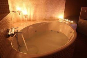 casa con bañera de hidromasaje en Villafrancaa