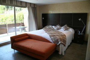 Elegante hotel playero con bañera de hidromasaje a las afueras de Barcelona