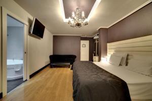 moderno hotel con jacuzzi privado en Zaragoza