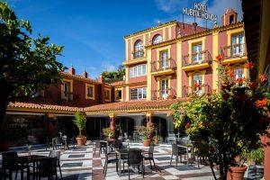 Hotel con bañera de hidromasaje en Zara