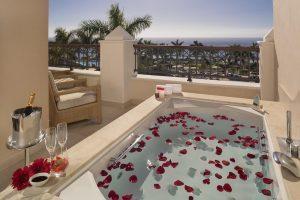 Impresionante complejo de hotel con bañera de hidromasaje en Tenerife