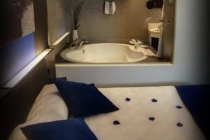 Hotel con jacuzzi privado en santander
